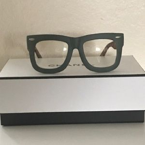 Accessories - Oversized Square Thick Horn Rimmed Glasses